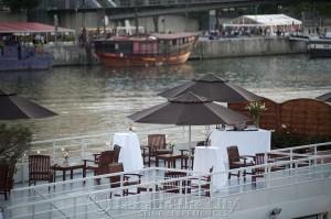 Arrangement voor bedrijf in Parijs op de Seine met lekker eten