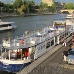 Dineren op een privé afgehuurde boot in Parijs