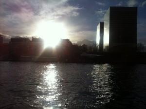 Uitzicht op de Seine vanaf uw vergaderlocatie aan de Seine tijdens de meeting