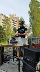 DJ Lextase in Den Haag op 10 mei 2015 bij de Haagsche Skatetog