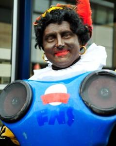 DJ Piet in dienst van andere 363 Pieten