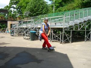 Skateles in het Vondelpark of het Oosterpark in Amsterdam met Lex van Buuren van Skate-A-Round