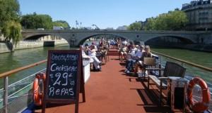 varen en eten met dakterras op de Seine. Bel Lex and the City