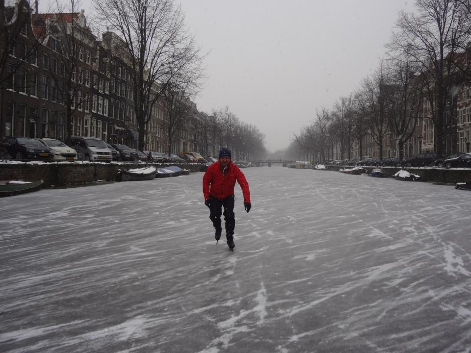 Lex van Buuren op de Amsterdamse gracht. Foto gemaakt door Bob Maas, waarvoor dank. Tevens copyright