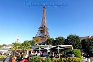 Boottocht Seine - Lunch groepen na afloop boottocht tegenover Eiffeltoren