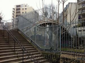 Belleville, onbekend Parijs een oude spoorbaan die niet meer in gebruik is omdat er nu de metro is
