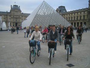 Deze foto over fietsen in Parijs is van Lex van Buuren; svp niet kopieren. :)