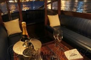Bootje op de Seine in Parijs voor klein gezelschap luxe