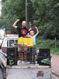 DJ Lextase goes early nineties Haagsche Skatetog sep 2015 - 80's DJ Lex van Buuren