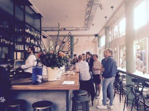 Social Sunday van Lex and the City vindt plaats in Visbar Beet op de Dappermarkt in Amsterdam-Oost