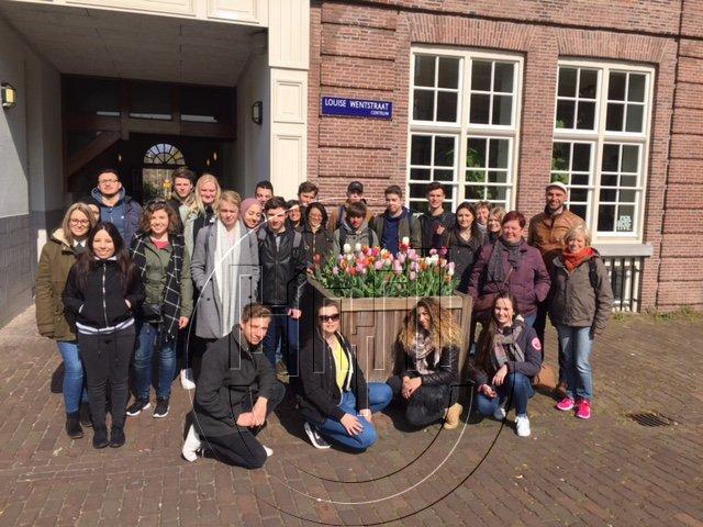 Wandeling met een groep studenten uit Vlaanderen door de Dapperbuurt en de Indische Buurt in Amsterdam-Oost