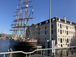 Marketing in de 5e dimensie - Mensen vinden Lex and the City omdat zij imagineert over tours in Amsterdam en dit publiceert. Bijvoorbeeld over een tocht met de clipper Stad Amsterdam