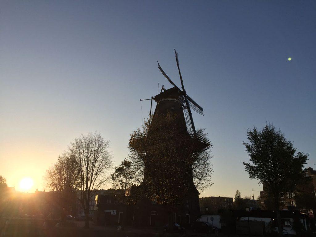Brouwerij 't Ij met Molen de Gooyer is ook een goede locatie om een pauze te houden tijdens een tour in Amsterdam Oost.