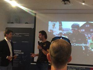 Fabian Cancellara was uitgenodigd door het Zwitsers verkeersbureau. In het kader vd campagne Zwitserland fietsland. In het Olympisch stadion