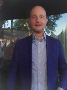 Lex van Buuren is online content creator, reisleider parijs groepen, gids in amsterdam, specialist voor amsterdam-oost