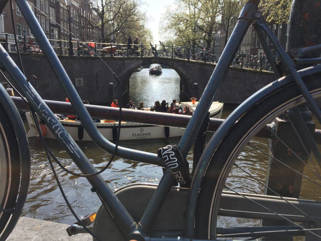 Guided tour along the canals with Lex and the City in Amsterdam