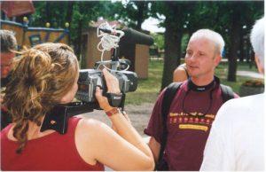Lex van Buuren van Skate-A-Round op de lokale televisie in Berlijn Duitsland - 4 augustus 2001 - Foto Peter Nikkel