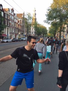 Friday Night Skate doorsnijdt de Jordaan - Rozengracht