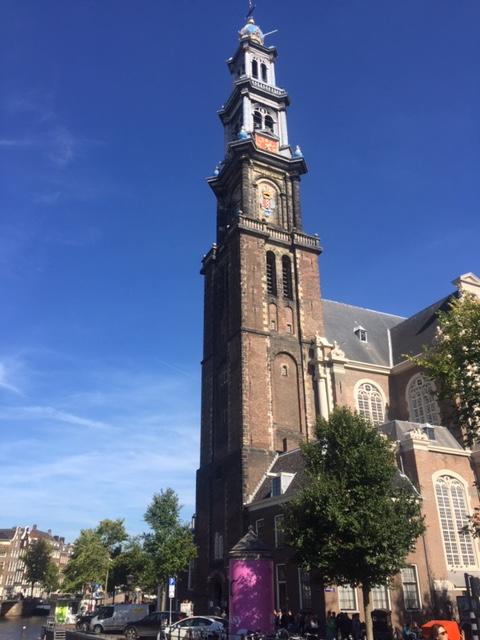 De wandeling in de Jordaan met Lex and the City bevat ook de Westertoren.