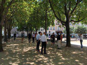 Jeu de Boules met de groep in Parijs is gezellig en ook verbindend. Lex and the City begon daar ooit mee.