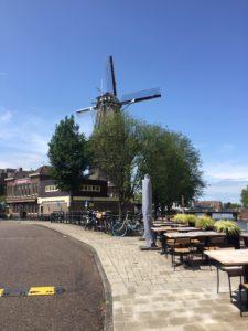 Balade privée avec le guide local d'Amsterdam - un trésor caché - Le moulin de Gooyer - à l'Est