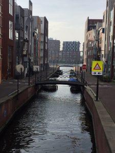 De grachten van het Java-eiland in Amsterdam door Sjoerd Soeters - Privé stadswandeling met privé gids Lex and the City