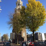 """sportieve privé tours in Amsterdam, met de fiets langs """"Malle Jaap"""" (De Montelbaanstoren)."""