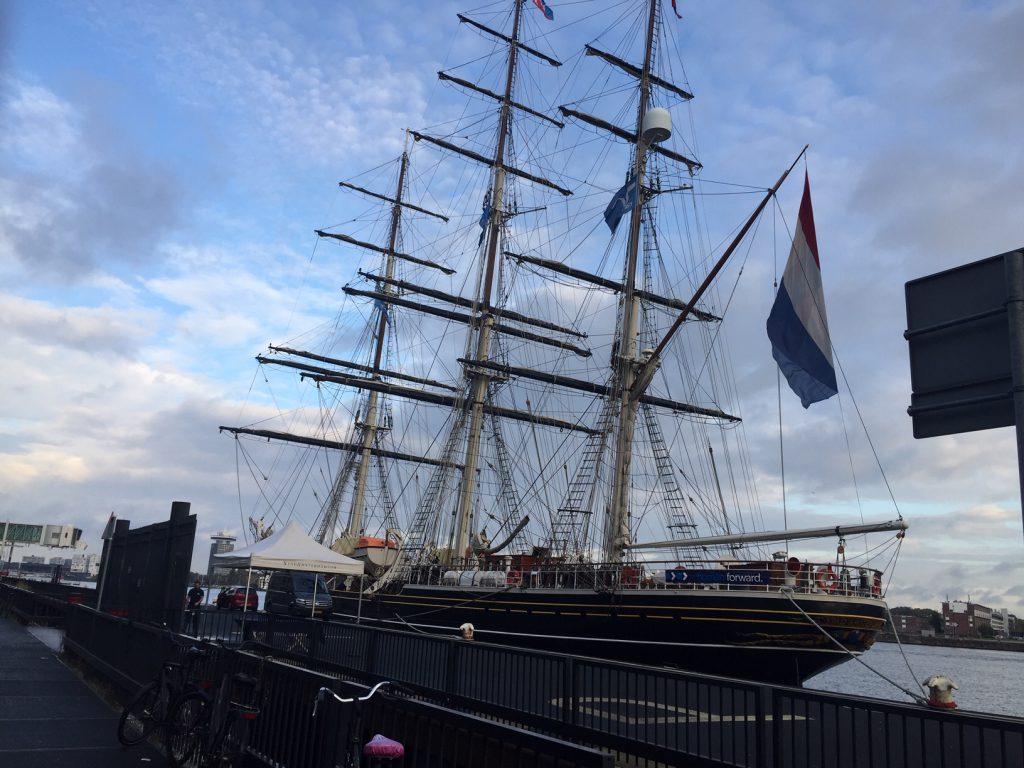 Photo du bateau Stad Amsterdam dans le port - Pris par ce guide á Amsterdam; Lex and the City