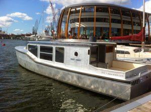 Bateau privé Amsterdam électrique avec Lex and the City et le Drift Away