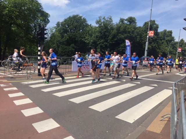 De marathon van Amsterdam passeert de Pijp - Oktober 2010 - Foto gemaakt door Lex and the City