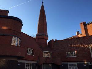 Amsterdamse school stijl - Het Schip - Rust en schone lucht in Amsterdam tijdens Coronavirus crisistijd