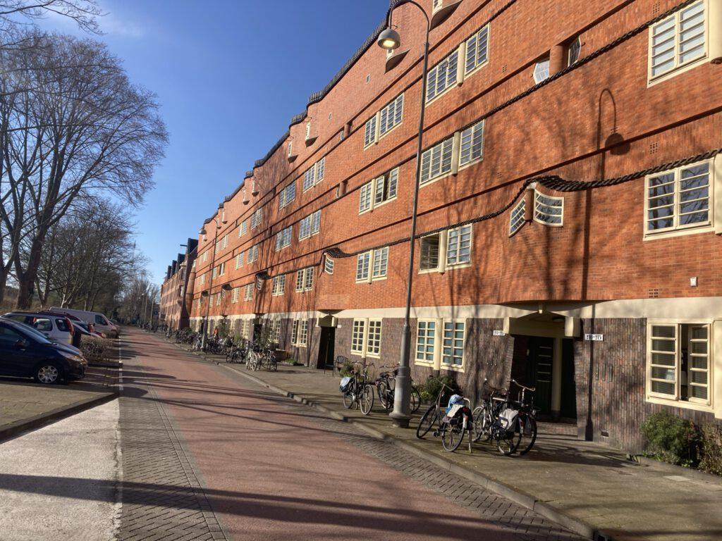 Verborgen parels van Amsterdam skateroute door Skate-A-Round en Lex and the City