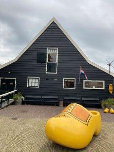 La redoute zanoise - Sabots Usine de chaussures en bois - Zaanse Schans - endroit pour une photo chouette