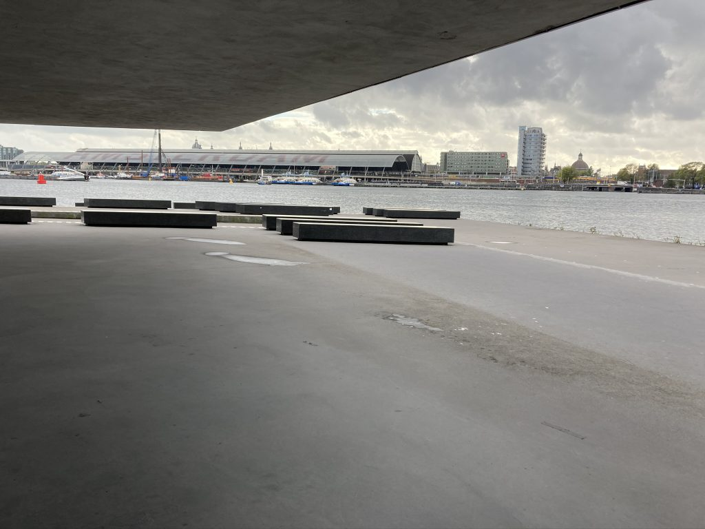 Rollerblade lesson under a roof in Amsterdam with a view by inline skate teacher Lex van Buuren of Skate-A-Round - Brand of Lex and the City