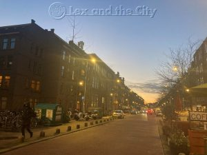 Hier de Javastraat in Amsterdam Oost. Een SEO tekstschrijver met specialisatie citymarketing maakt en publiceert foto's van de stad.