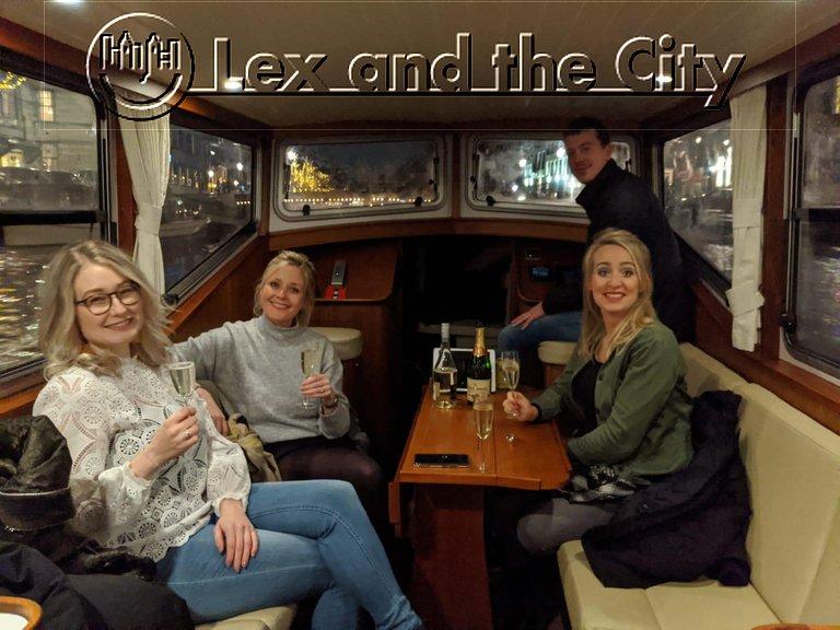 Bateau privé sur les canaux d'Amsterdam 2-8 personnes avec guide local prive francophone - Lex and the City - circuits insolites