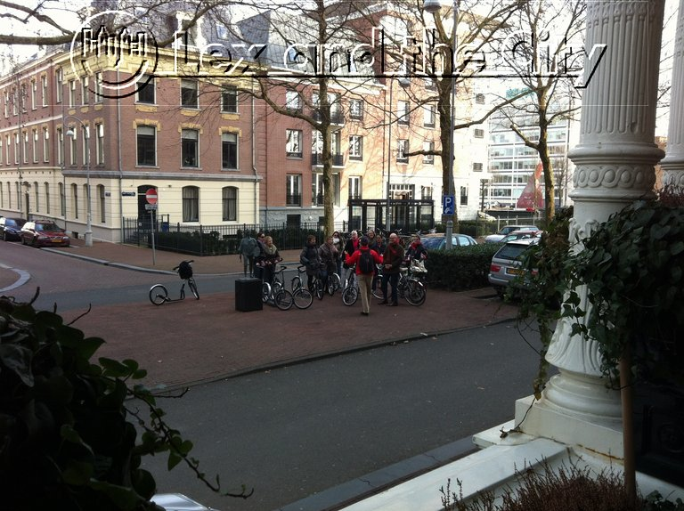 Durable and consious activity in Amsterdam for corporate groups - Footbiking with Lex and the City tours