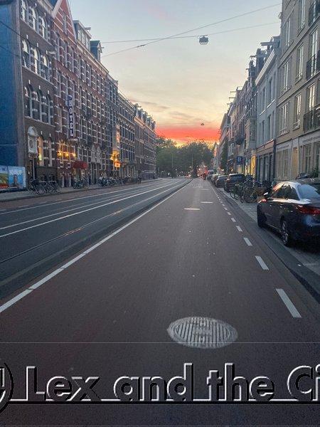 Une piste cyclable de rêve au centre d'Amsterdam, avec un pot d'or à la fin. Circuits insolites avec guide local et privé